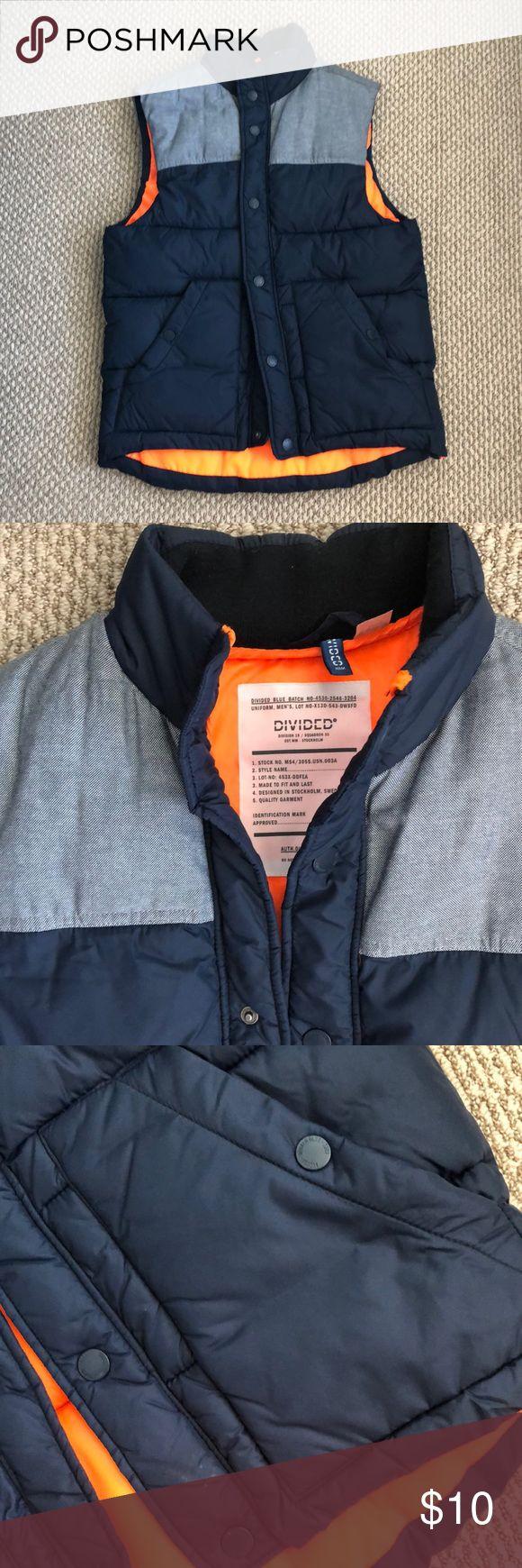 H&M Men's puffer vest Navy blue button up vest with bright