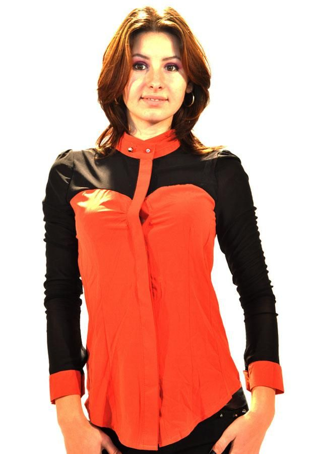Camasa Dama Color Finger  -Camasa dama casual-elegant  -Model usor elestic ce cade usor pe corp  -Detali maneci usor transparente     Lungime: 59cm  Latime talie: 38cm  Compozitie: 80%Poliester, 20%Elasten