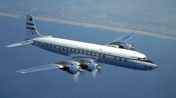 O Douglas DC-7 foi o principal avião da Panair do Brasil em rotas internacional nos anos 1950 e 1960