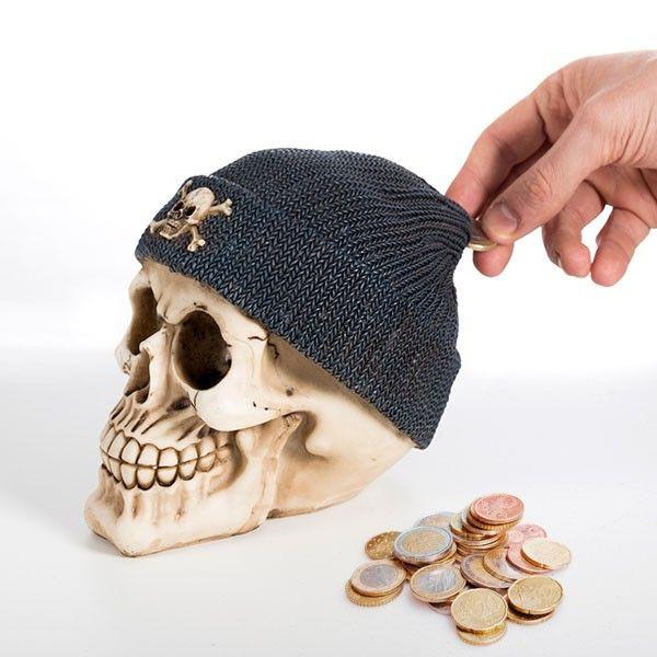 El mejor precio en Hogar 2017 en tu tienda favorita https://www.compraencasa.eu/es/huchas/11928-hucha-calavera-con-gorro-pirata.html
