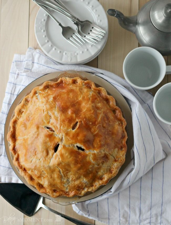 How to Bake a Perfect Apple Pie | Baking a Moment