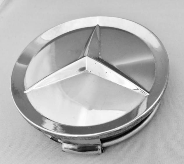 CHROME  CENTER  HUB  CAP  NEW  ORIGINAL  MERCEDES-BENZ  GERMANY    FITS   THE  FACTORY  ALLOY  WHEEL  THAT  CAME  WITH  THE  CAR - ORIGINALLY .     MERCEDES-BEN