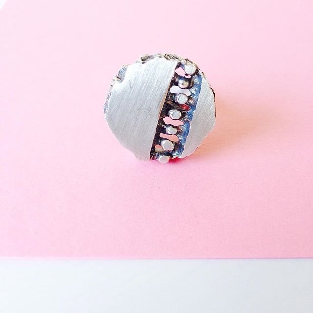 New week, chic now! A great silver ring by Finnish jewelry company Pele-kulta Ky Lehtisal made in 1970s.