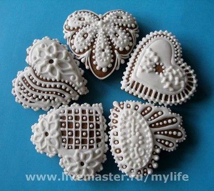 Пряники-сердечки кружевные белые - медовый пряник,белое кружево,белоснежные узоры