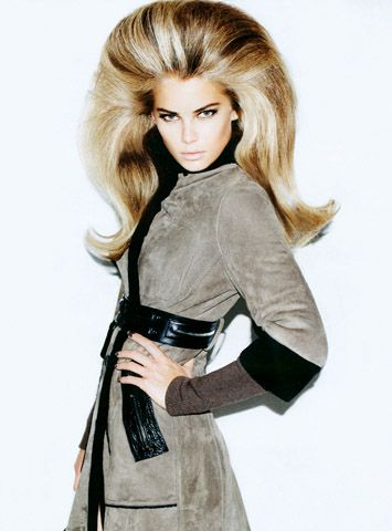 Big, long flip.  MATT IRWIN for VOGUE RUSSIA - Model: Tori Praever   |   Hair: Nicolas Jurnjack   |  Stylist: Simon Robbins   |