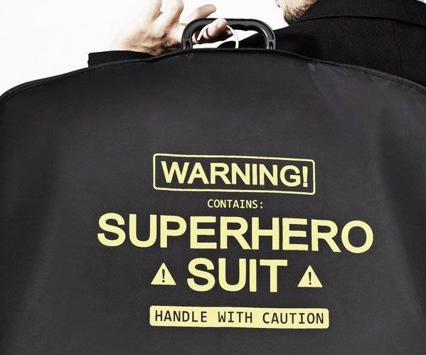 There's no better way to protect your lucky power suit so that it stays in pristine condition until the big meeting than by using the super suit carrier.Trusted by all the top dawgs in the Justice League - it's the must have suit carrier for crime fighters.
