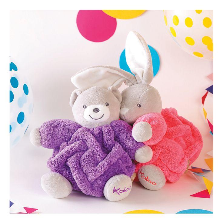 Kaloo plyšový zajačik Chubby Neon je rozkošné zvieratko vhodné pre najmenšie dievčatká od 0 mesiacov. Hračka na maznanie a túlenie má ideálnu veľkosť 18 cm.