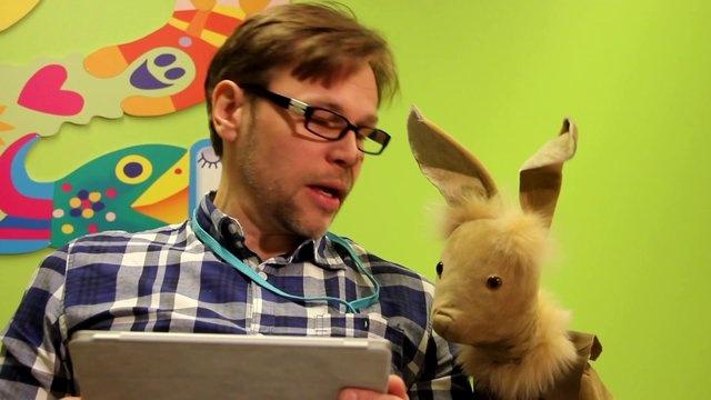 Pikku Kakkonen etsii tuottajaa. Jyrki ja Neponen pohtivat millainen on hyvä tuottaja.