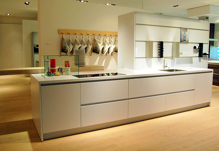 White Matt Lacquered German handle-less fitted kitchen - KDCUK
