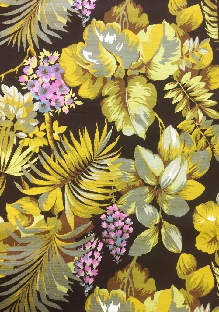 retro stof met mooie bloemenprint in oa groen en geel originele jaren 70 stof mooi voor kussens lampenkappen of gordijnen prijs per