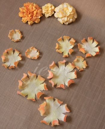 A Touch of Grace » Dahlia II Tutorial - love the buds at the very end of the tutorial.