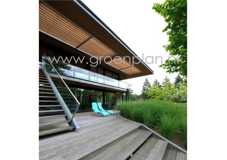 Een tuin van Groenplan bij een door bouwarchitect Erwin Kleinsman ontworpen bijzondere woning. www.groenplan.nl