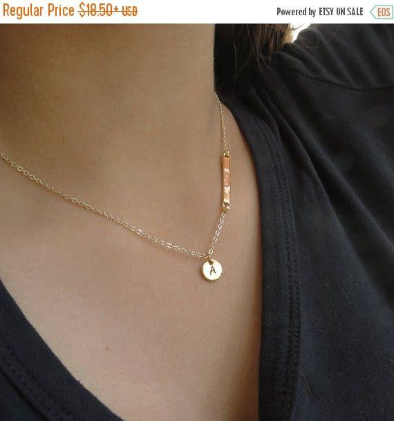 TE koop schijven kleine goud ketting asymmetrische Bar met naam of datum bruidsmeisjes van de perfecte verjaardag cadeau idee van sieraden
