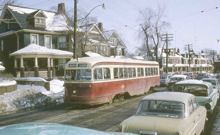 photo-toronto-broadview-at-bain-large-old-homes-pcc-streetcar-1965-unknown-photographer.jpg 1,200×736 pixels