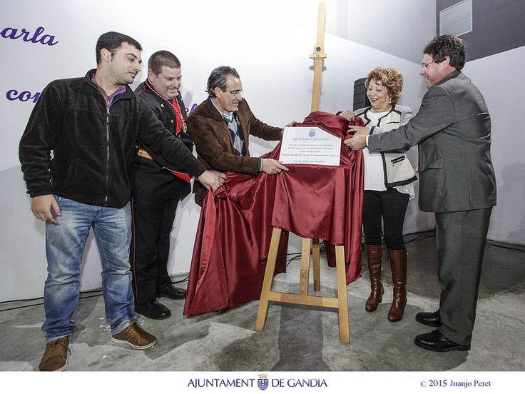 Inaugurando el Centro de Actividades Artísticas Sant Enric. Convertimos un problema en una solución.