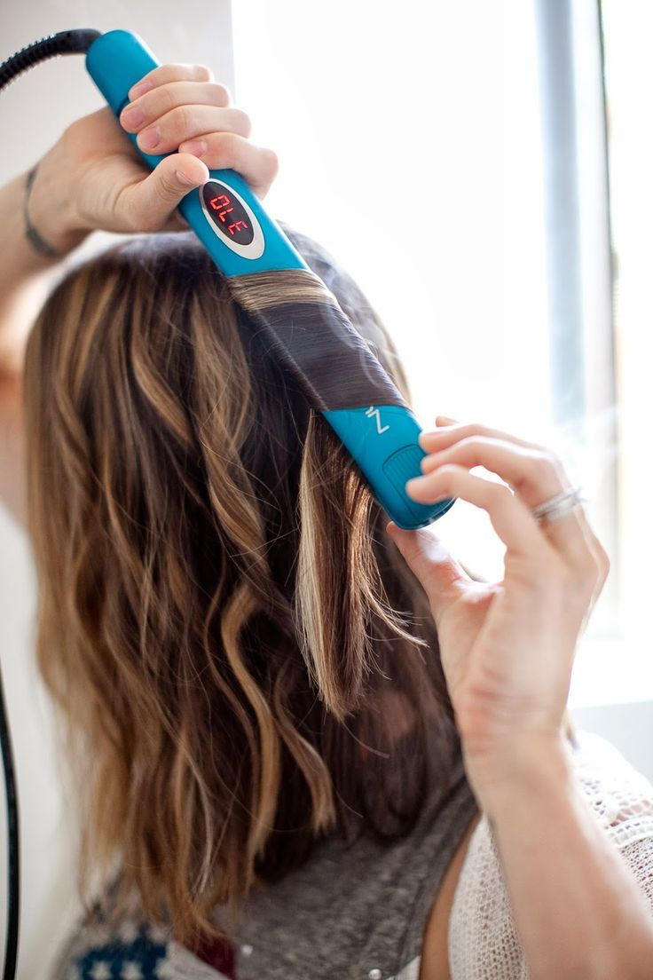 DIY curls, how to wave your hair, beach waves, wavy bob, long bob, how to style short hair.