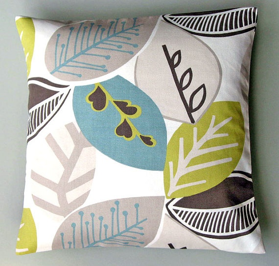 living room pillows: Pillows Covers, Colors Combos, Nordic Fall, Leaf Patterns, Cushions Covers, Colors Schemes, Living Rooms Colors, Throw Pillows, Fall Pistachios