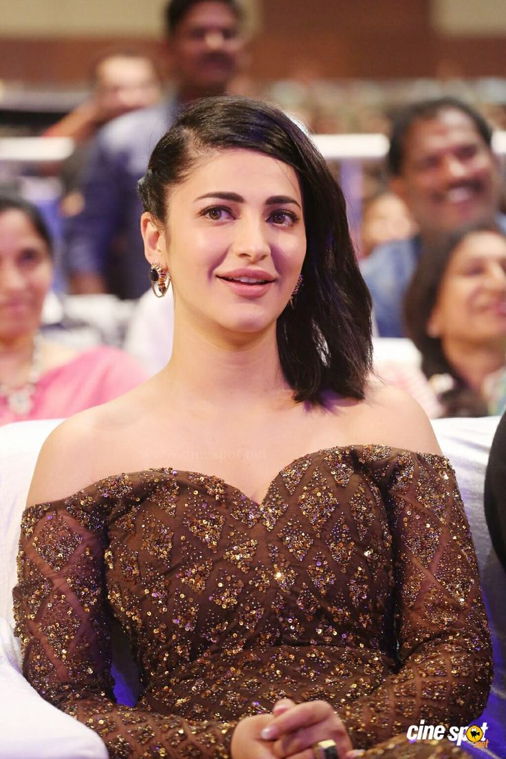 Actress Shruti Hassan (20)