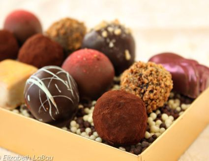 This dark chocolate truffles recipe is an indulgent treat, impressive addition to a party, dinner or celebration and makes wonderful gifts.