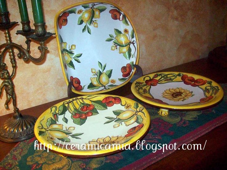 Piatti di portata in maiolica dipinti a mano #Italy http://ceramicamia.blogspot.it/2011/03/piatti-di-portata-in-maiolica-dipinti.html#