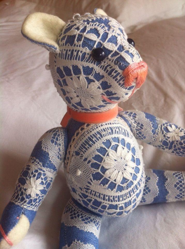 AROU teddy bear Mini (10 5/8 In) 100% linen with lace Camariñas