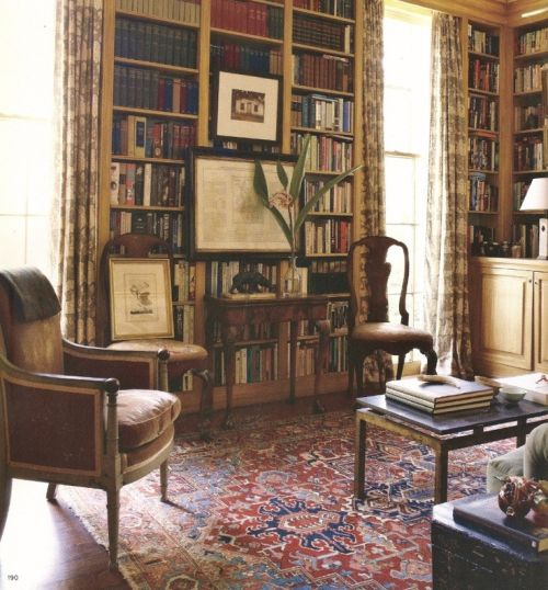 Classic classic traditional English style librarysitting room