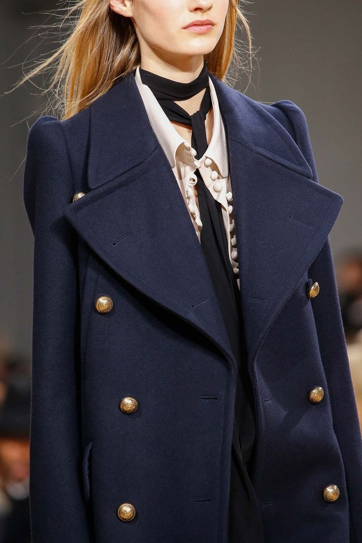 Chloé Fall 2015 Ready-to-Wear - I'm going to need this navy blue coat! <3 <3 <3