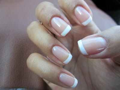 Shellac nail French mani