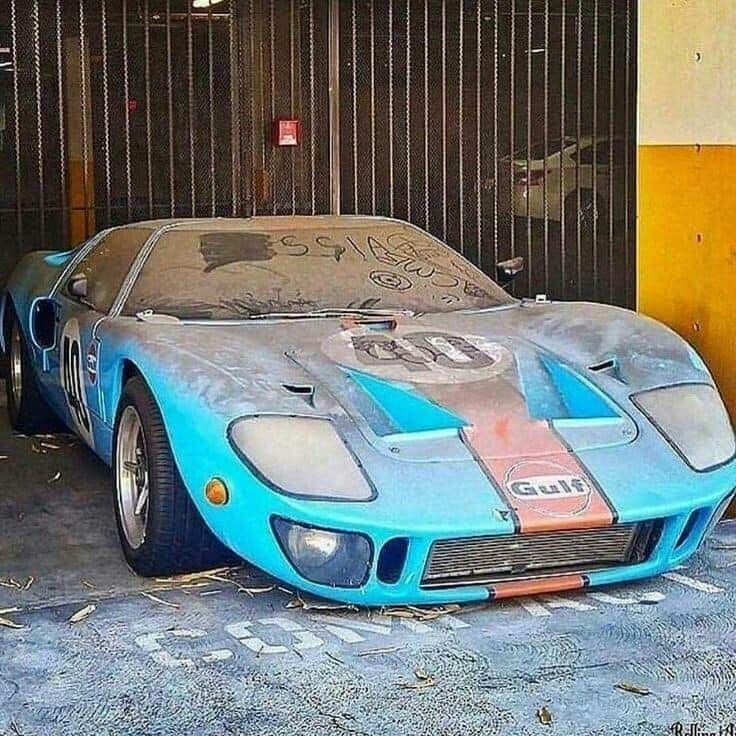 What A Barn Find Would Love To Find That Ford Gt Classic Cars Barn Find Cars