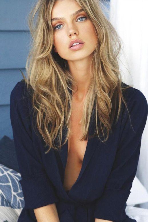 Australian Model Aurelia Gliwski Blue Eyes Textured Wavy Hair Husk UK Catalog Navy Low Cut photo Le-Fashion-Blog-Model-Crush-Australian-Model-Aurelia-Gliwski-Textured-Wavy-Hair-Husk-UK-Catalog-Navy-Low-Cut.jpg