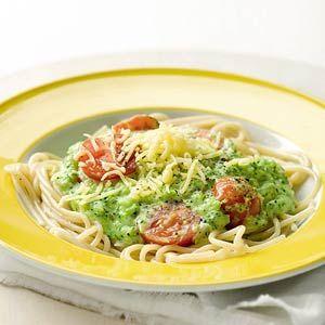 Spaghetti with creamy broccoli-cheese sauce - Dutch recipe