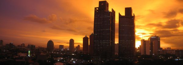 Relax and watch the brilliant sunset in #Jakarta. id.easybook.com