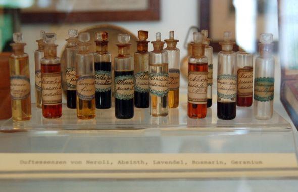 přijďte si namíchat svou osobní vůni! základní kurz aromaterapie v centru Kosmetika hrou