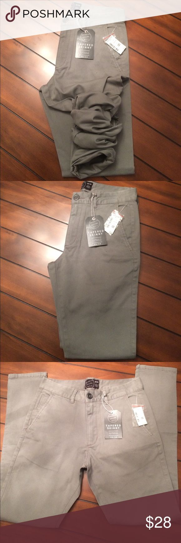 NWT Aeropostale Skinny Tapered Chinos 29x30 Solid Grey Brooklyn Calking Skinny Tapered Chino Pants Aeropostale Pants Chinos & Khakis