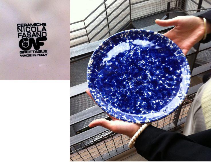 Assiettes bleues en céramique, atelier Nicola Fasano (Italie) http://www.fasanocnf.it/index_eng.php