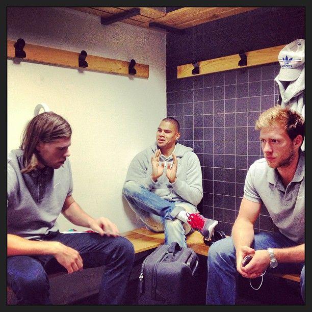 Petite discussion avant le match face à Toulouse entre Daniel, Mikki et Gabor #Csaszar #Respect #Hanball #LNH #Sport #PSGHand