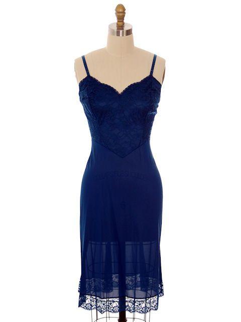 Vintage Full Slip Navy Blue Vanity Fair Size 36 Tall 1970s