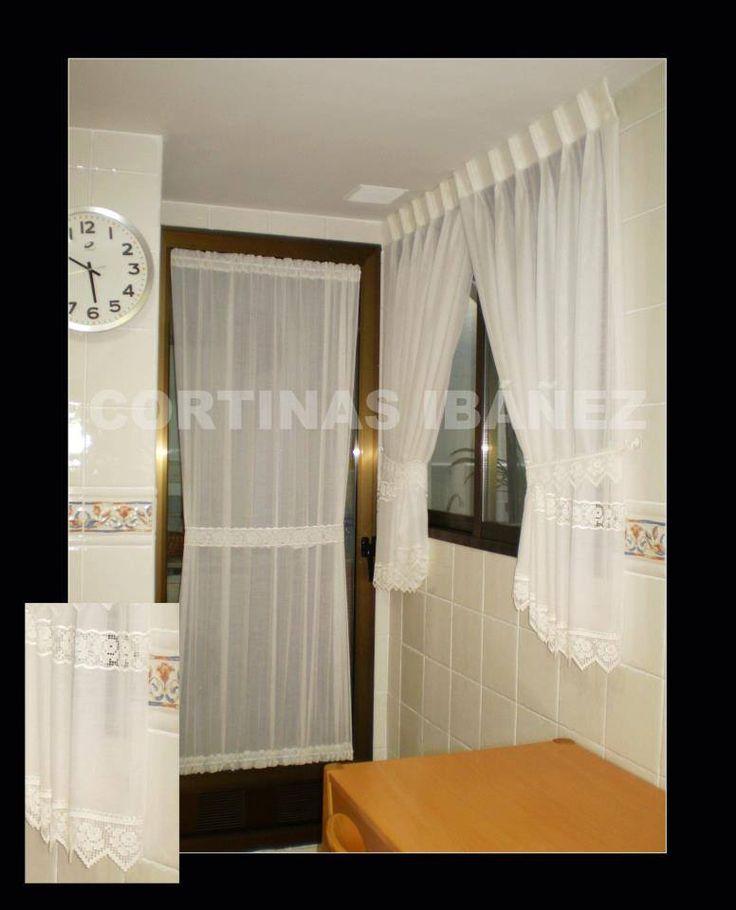 Visillos cocina con entredos y puntillas en riel for Cortinas para puertas de cocina