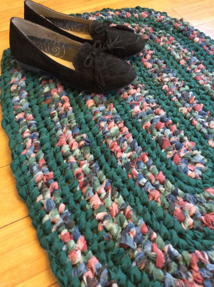 Hunter Green Oval rag rug with blue