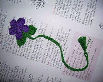 Flor violeta púrpura oscuro Crocheted hecho a mano por pkladybug