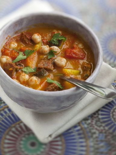 poivre, pois chiche, pomme de terre, courgette, Viandes, tomate, tomate, oignon, eau, boeuf, Ras el Hanout, coriandre, persil, sel, carotte, colorant