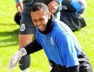 FC Porto Noticias: Helton reentra na luta