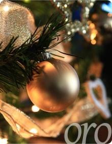 Árboles de navidad dorados