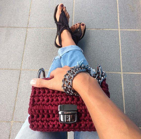 Crochet chain shoulder bag  Urban crossbody handbag  T shirt