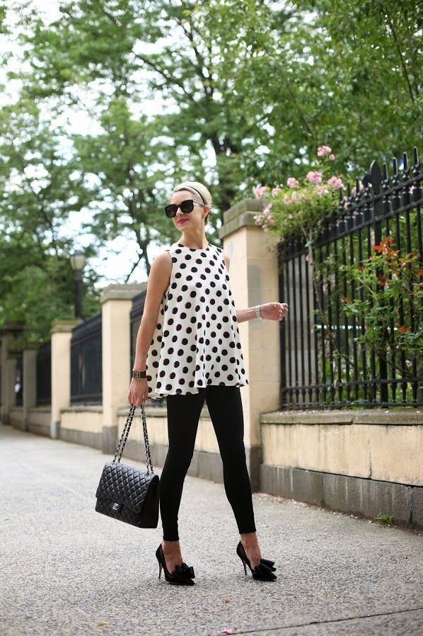 feminine pumps with polka dots top and leggings