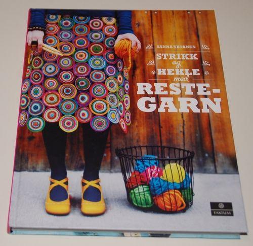 Hobby- Strikk og hekle med restegarn. I want a blanket like this for my house