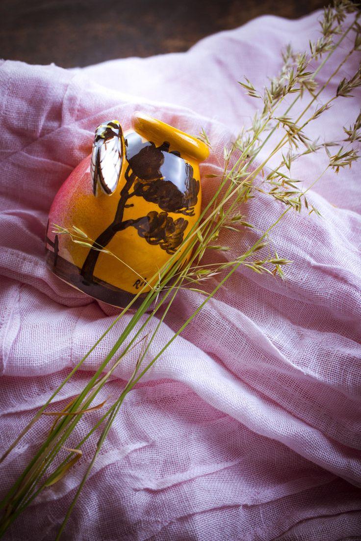 petit pot #provençale, #cigale et #méditerranée, le #bien-être passe aussi par le #soleil, #aromathérapie, les produits #bio aux #huiles #essentielles , #ambiance #salle de bain #décoration #phytotherapie #ambiance #salle de bain #décoration #phytotherapie http://www.marielys-lorthios.com/