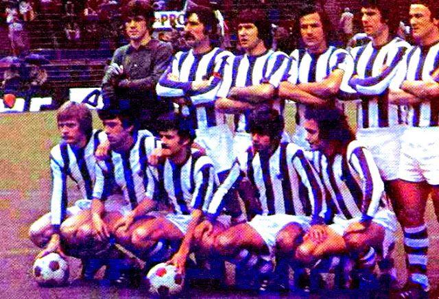 Equipos de fútbol: REAL SOCIEDAD contra Atlético de Madrid 18/04/1976
