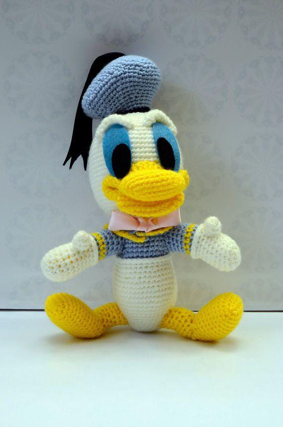 Pato Donald de amigurumi por VILLAGUANGUITO en Etsy