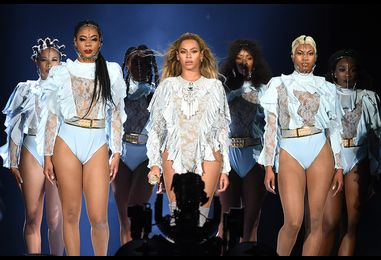 Beyonce Honors Shawty Lo In His Hometown With 'Dey Know' Dance: Watch